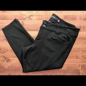 Torrid black skinny crop pants